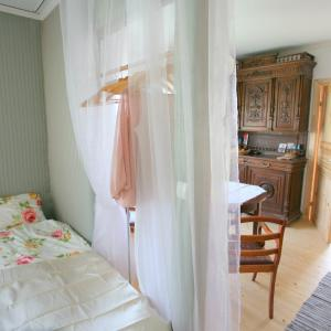 Hotel Pictures: White Dame Apartment, Haapsalu