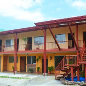 Hotel Pictures: Hotel La Villa, Quesada