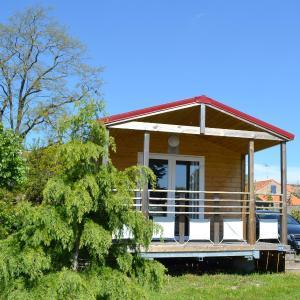Hotel Pictures: Camping Le Village de la Mer, Prigny