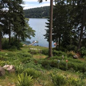 Hotel Pictures: Maple Ridge Cottages, Ganges