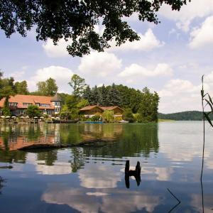 Hotelbilleder: Romantischer Seegasthof & Hotel Altes Zollhaus, Feldberg in Mecklenburg