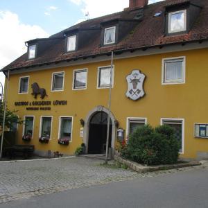 Hotelbilleder: Landgasthof Zum goldenen Löwen, Moosbach