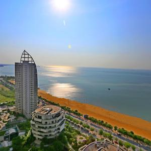 Hotel Pictures: Canaan Seaview Apartment, Beihai