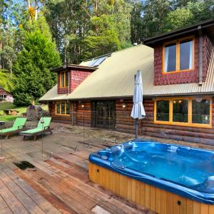 Hotellikuvia: Eagles Nest Luxury Mountain Retreat, Narbethong