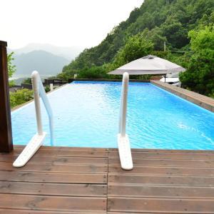 酒店图片: Penatess Pool Villa, 忠州市