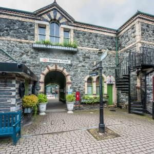 Hotel Pictures: Alpine Apartments Snowdonia, Betws-y-coed