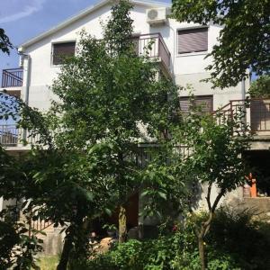 Hotellikuvia: Apartment Filipović, Buzdohanj