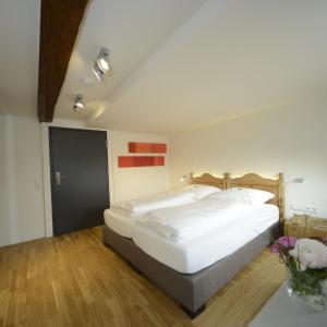 Hotel Pictures: Gasthaus Hirsch, Ersingen