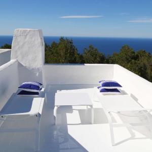 Hotel Pictures: thesuites Ibiza Isla Blanca, Na Xamena