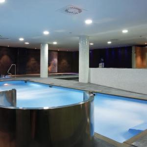 Hotel Pictures: Langrehotel & SPA, Langreo
