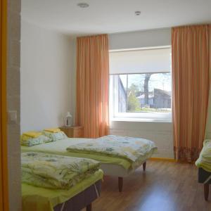 Hotel Pictures: Saare Automatic Hostel, Pärnu