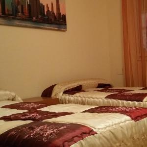 Hotel Pictures: Hostal Restaurante La Posada Del Duque, Villalbilla de Burgos