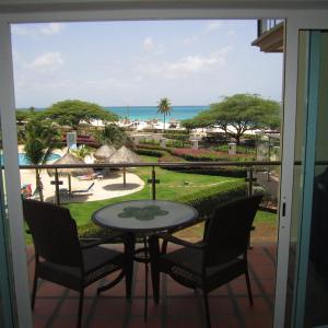 Hotellikuvia: Royal Aquamarine Three-bedroom condo - BC252, Palm-Eagle Beach