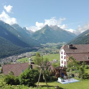 Fotos do Hotel: Landhaus Birgit, Telfes im Stubai