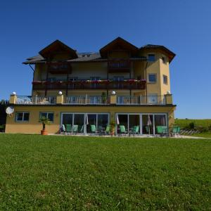 Hotellikuvia: Pension Haus Claudia, Drobollach am Faakersee