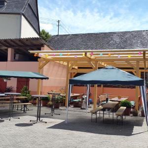 Hotel Pictures: Zur Dorfschänke, Hausen