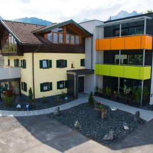 Hotel Pictures: Alpenapart Singer, Reutte