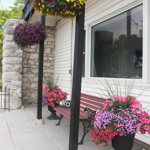 Hotel Pictures: New Rockland Motel, Bobcaygeon