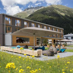Hotel Pictures: Bever Lodge, Bever