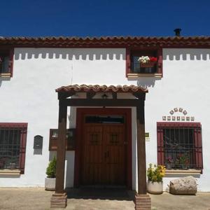Hotel Pictures: Casa Lucinio, Valhermoso de la Fuente