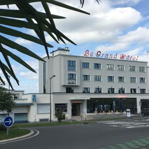 Hotel Pictures: Le Grand Hotel, Maubeuge