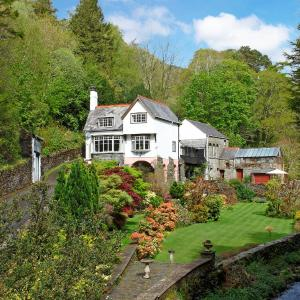 Hotel Pictures: Glandwr Mill, Barmouth