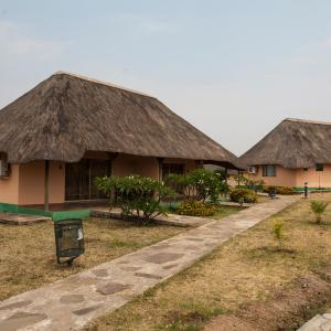 Hotelbilleder: Complexo Turístico Kambumbe Lodge, Menongue