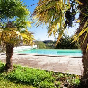 Hotel Pictures: La Bergerie, Pomport