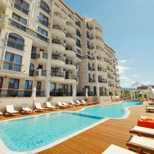 Фотографии отеля: Apartcomplex Harmony Suites 10, Святой Влас