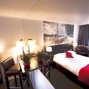 Hotel Pictures: Hotel Pavillon des Gatines, Plaisir