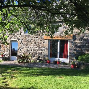 Hotel Pictures: Ciel d'Ardeche, Lachamp-Raphaël