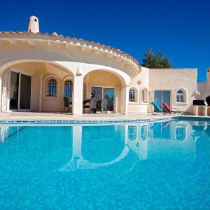 Hotel Pictures: Villa La Galera de las Palmeras, Altea la Vieja