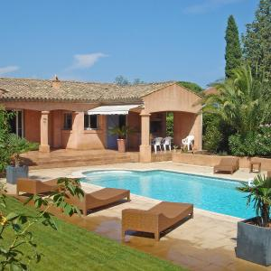 Hotel Pictures: Villa L'Amandier, Cogolin