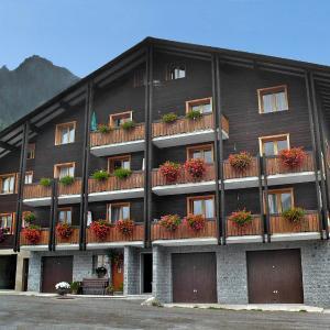 Hotel Pictures: Apartment Zur Fluh, Fieschertal