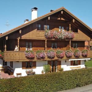 Hotel Pictures: Apartment Ferienhaus Eberle.1, Benediktbeuern