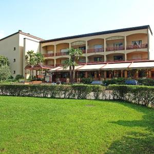 Hotel Pictures: Apartment Parcolago (Utoring).77, Caslano