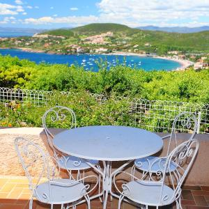 Hotel Pictures: Holiday Home La Galine, Agay - Saint Raphael