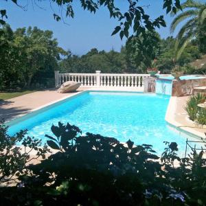 Hotel Pictures: Holiday Home Campestra, Coti-Chiavari