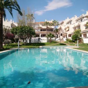 Hotel Pictures: Apartment Residencial Almadraba, Carrer del Mar