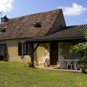 Hotel Pictures: Holiday Home Le Champ du Lac, Salviac