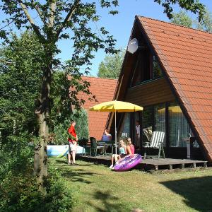 Hotel Pictures: Holiday Home Ferienpark Ronshausen.8, Machtlos