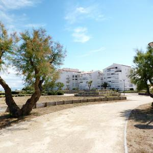 Hotel Pictures: Apartment Les Cyclades.2, Port Leucate
