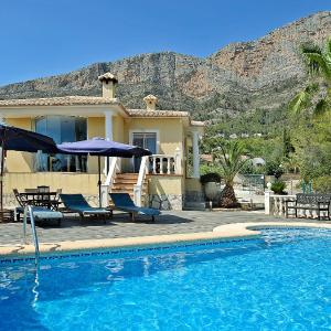 Hotel Pictures: Holiday Home Osa Menor 17, Jávea