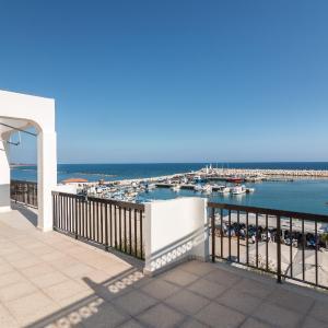 Hotel Pictures: Zygi Marina Sea View, Zygi