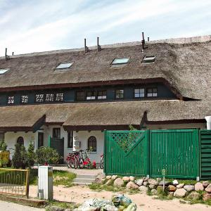 Hotel Pictures: Holiday Home Boddenstrasse.1, Groß Zicker