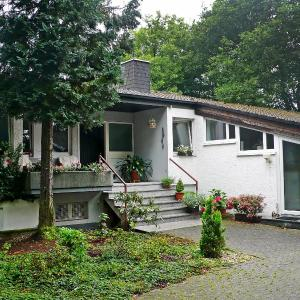 Hotel Pictures: Apartment Waldeiche-Rheinblick, Holzfeld