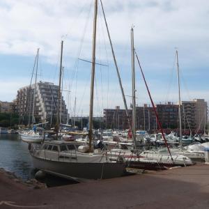 Hotel Pictures: Apartment Les Marines de Port Canet.4, Canet-Plage