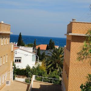 Hotel Pictures: Apartment Cap Ras 01, Llança