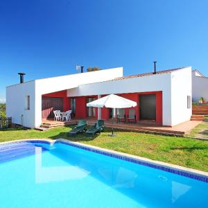 Hotel Pictures: Holiday Home Nat, Vidreres