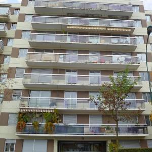 Hotel Pictures: Apartment Libération, Vincennes